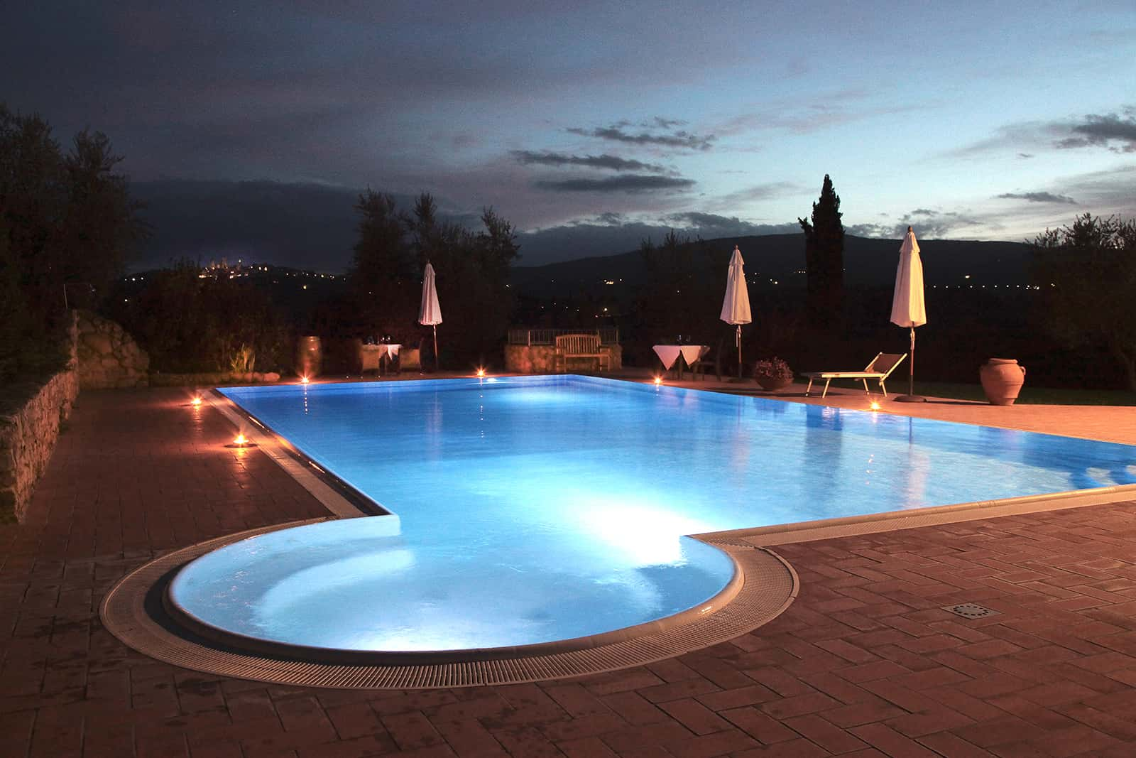 San Gimignano farmhouse swimming pool Tuscany